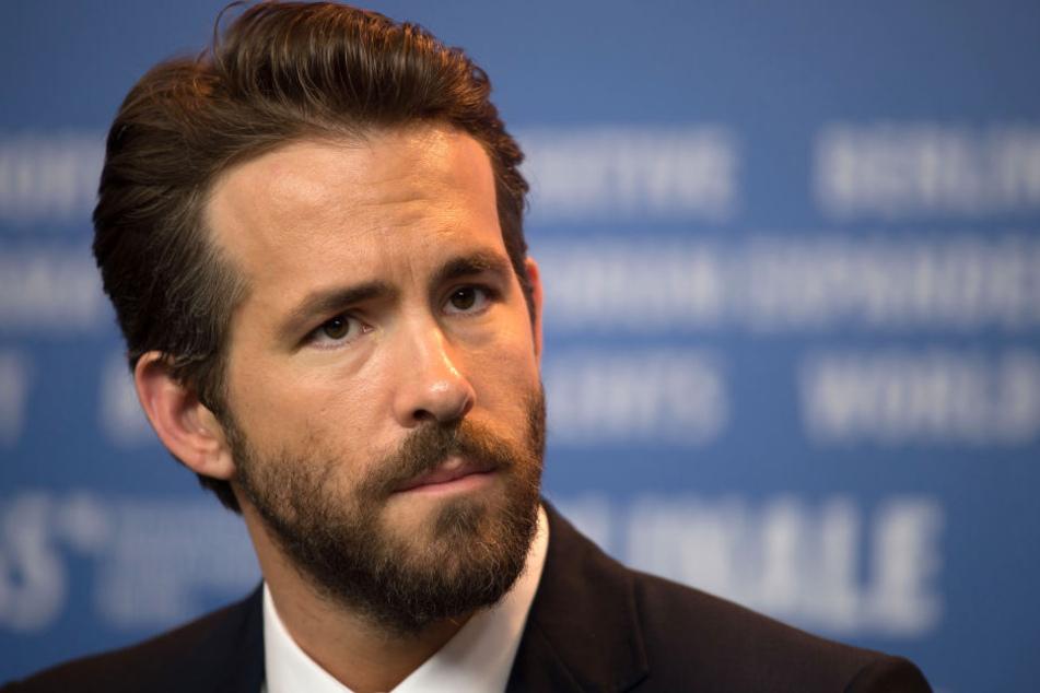 Hauptdarsteller Ryan Reynolds zeigte sich auf Twitter bestürzt.