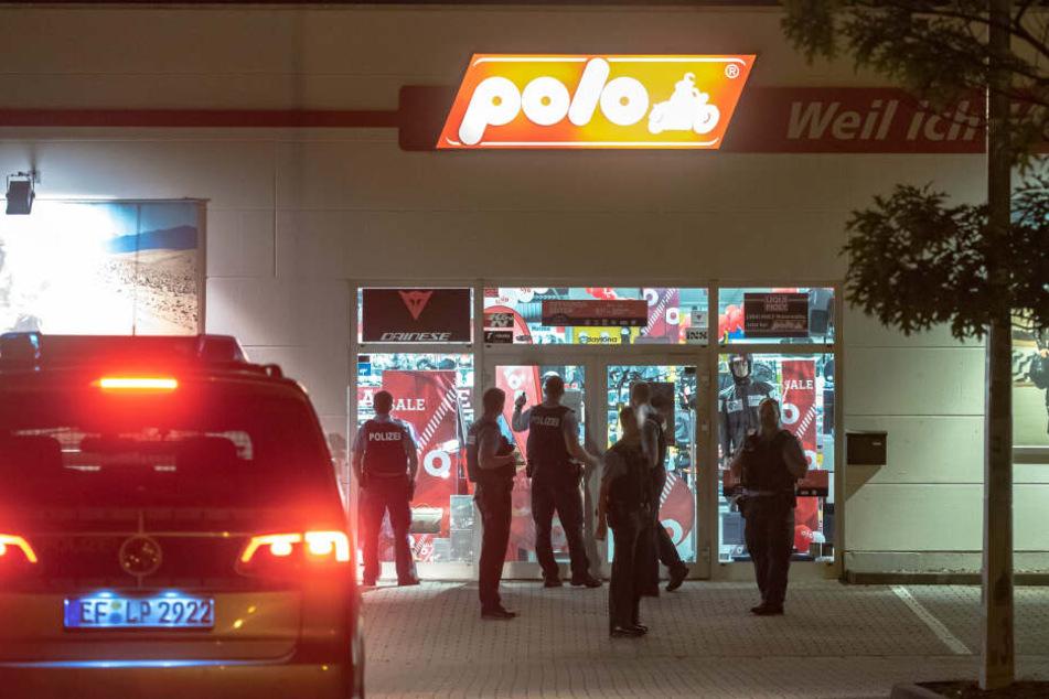 Filmreifer Einbruch in Erfurt! Diebe schneiden Loch in Dach