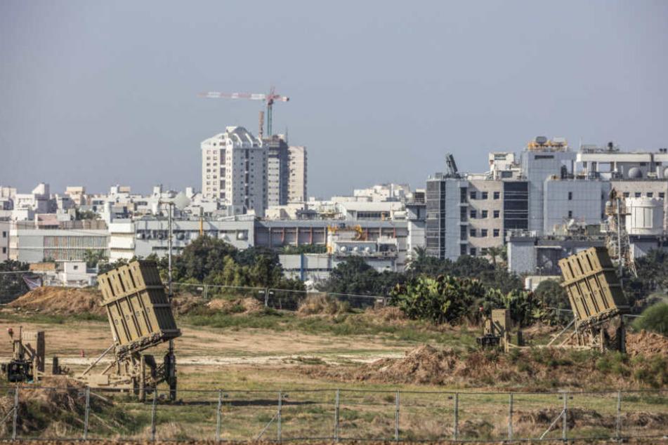 """Das israelische Raketenabwehrsystem """"Iron Dome"""" (Eisenkuppel) im Einsatz."""