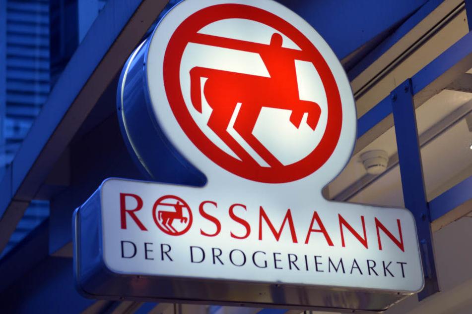 Eine Klimaanlage soll für Abkühlung in der Rossmann-Filiale in Lübbecke sorgen. (Symbolbild)