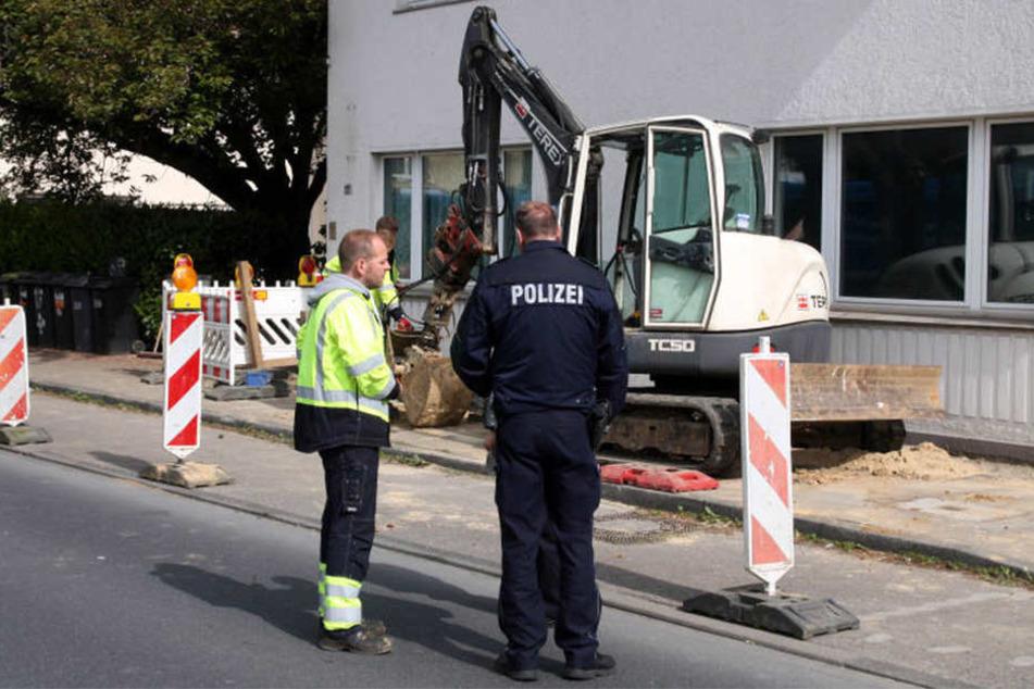 Ein Baggerfahrer haute mit seiner Schaufel in eine Gasleitung.