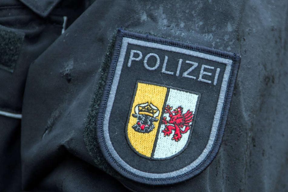 Ein Polizist aus Mecklenburg-Vorpommern wurde festgenommen. (Symbolbild)