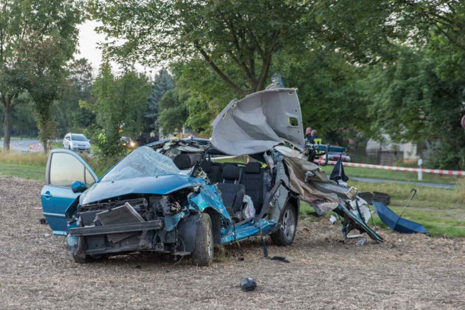 Bei Großschwabhausen kam es in der Nacht zum Freitag zu einem tödlichen Unfall.