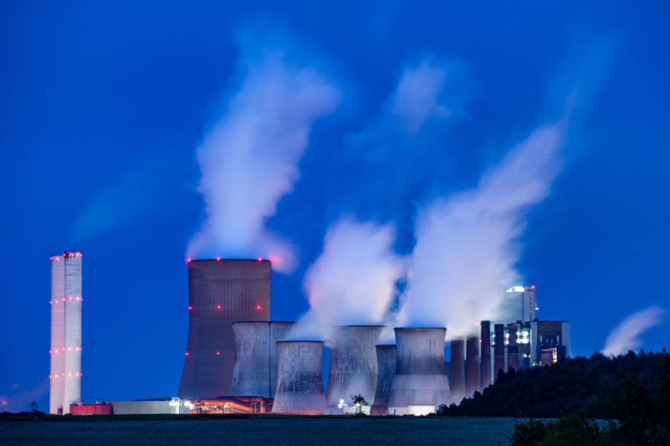 Ein neues Kraftwerk darf RWE erstmal nicht bauen.
