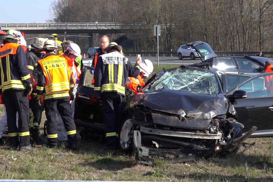Sechs Schwerverletzte nach heftigem Autobahn-Crash, darunter ein Kind!