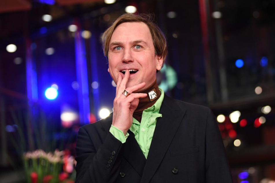 Schauspieler Lars Eidinger (39) kommt zur feierlichen Eröffnung der 69. Berlinale.