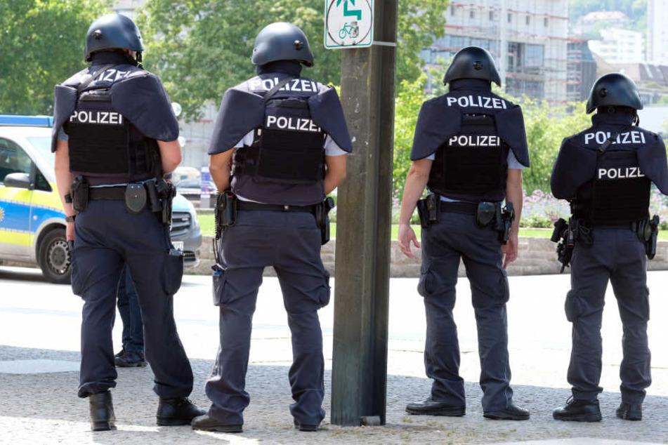 Auch vor dem Landtag hatte die Polizei Stellung bezogen.