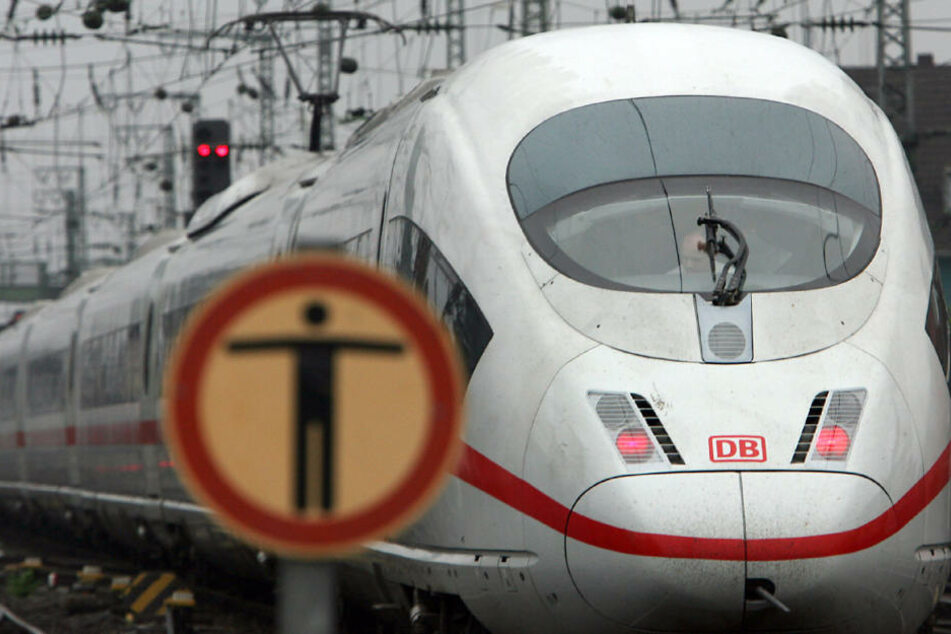 Der Schnellzug war von Nürnberg auf dem Weg nach München. (Symbolbild)