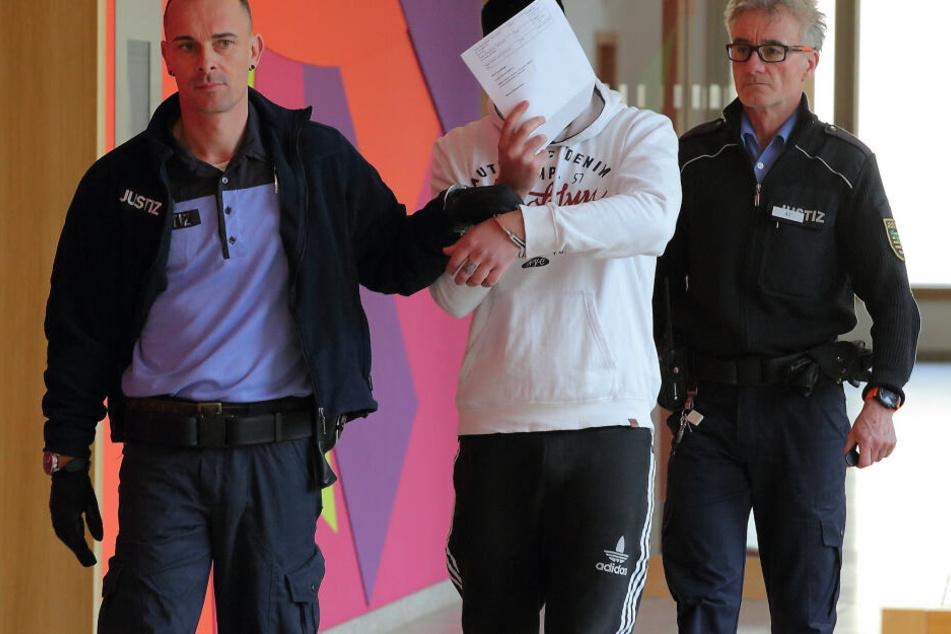 Mazen A. (29) sitzt seit seiner Festnahme im Juli letzten Jahres in U-Haft. Der Libanese muss sich vor dem Amtsgericht unter anderem wegen Körperverletzung verantworten.