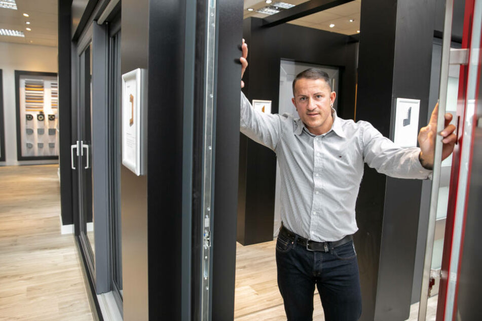 Christian Schroth (stellv. Betriebsleiter) sucht für den Dresdner Store neue Kundenberater (m/w/d).