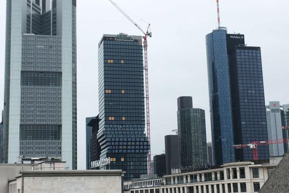 Der Freitag in Frankfurt ist kalt und grau.