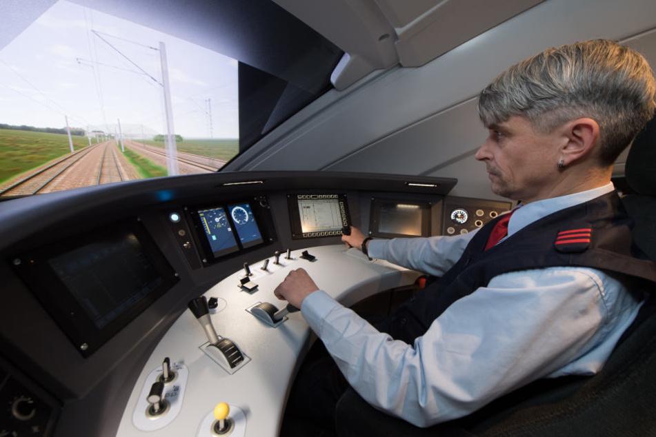 Alles im Griff: Im Simulator lernen Lokführer das Handwerk für den neuen ICE 4.