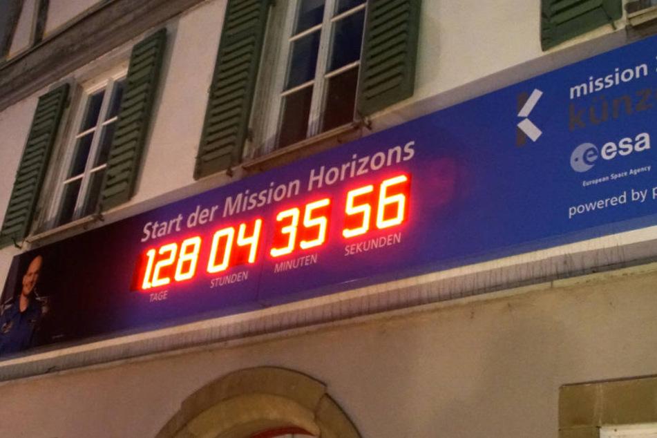 128 Tage verbleiben bis zum Start zur Raumstation ISS.
