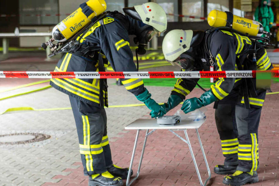 Feuerwehr und Rettungskräfte rückten umgehend zum Großeinsatz aus.