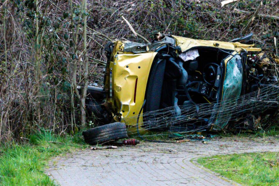 Tödlicher Horror-Unfall auf A5: BMW durchbricht Leitplanke, Fahrer sofort tot