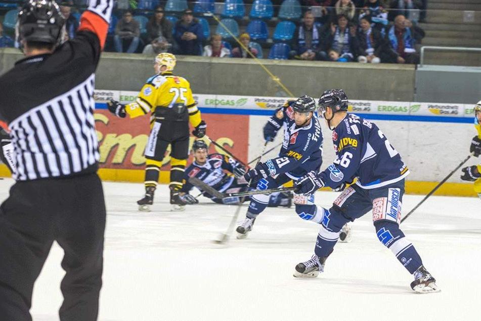 Die Eislöwen siegten gegen Bayreuth.