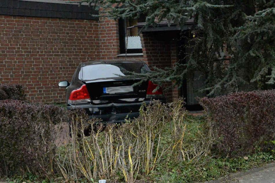 Das Auto des 29-Jährigen blieb erst vor der Haustür stehen.