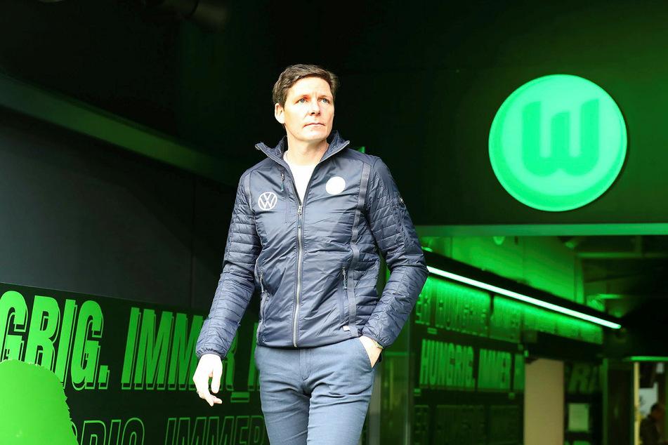 Wolfsburgs Trainer Oliver Glasner (46) schiebt die Favoritenrolle den Leipzigern zu.