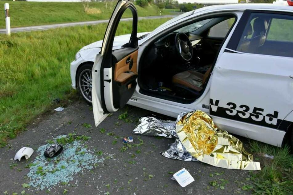 Mann setzt sich betrunken hinters Steuer: BMW überschlägt sich mehrfach