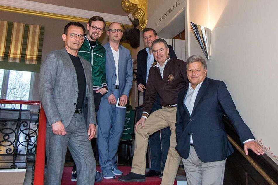 Die Experten-Runde: Michael Born (v.l.), Max-Jacob Ost, Jens Umbreit, Pit Gottschalk, Andreas Rettig und Markus Hörwick.