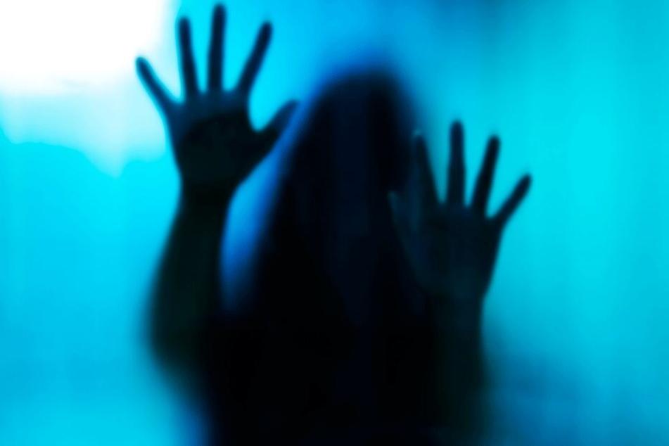 Das Leben der 17-Jährigen soll die Hölle gewesen sein (Symbolbild).
