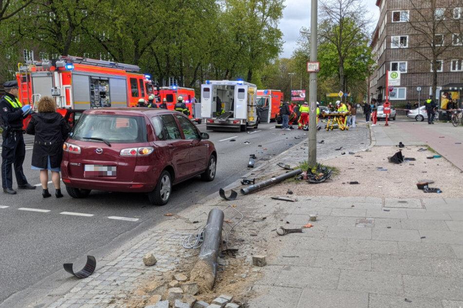 Der Unfallort glich einem Trümmerfeld.