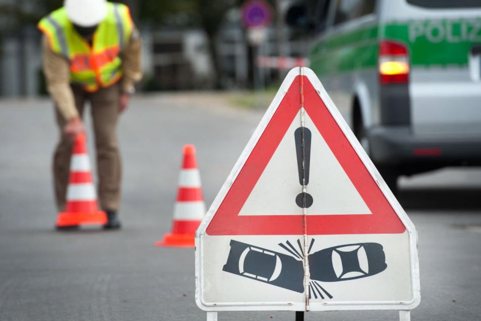 Der Autofahrer krachte in einen anderen Unfall auf der A3. (Symbolbild)
