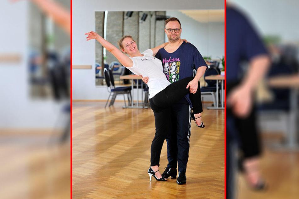 """Theresa Temler (23) und Marcel Bauer (41) trainieren in der Tanzschule Köhler-Schimmel für """"Star Dance""""."""