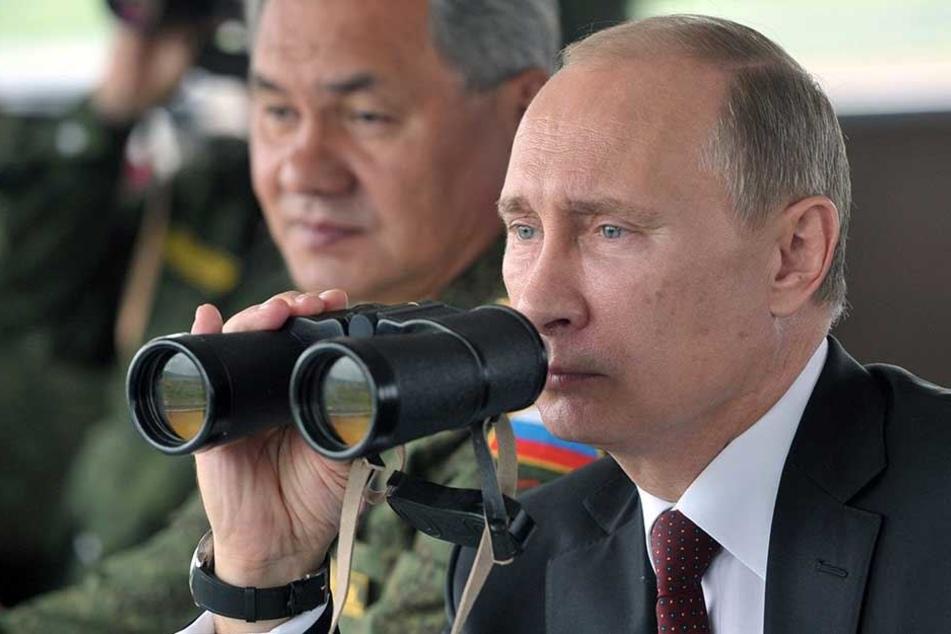 Wladimir Putin bei einer Übung der russischen Armee im Jahr 2014.