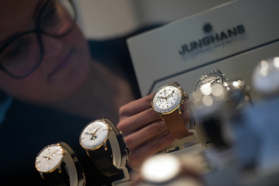 Pro Jahr stellt Junghans zwischen 50.000 und 60.000 Uhren her. (Archivbild)
