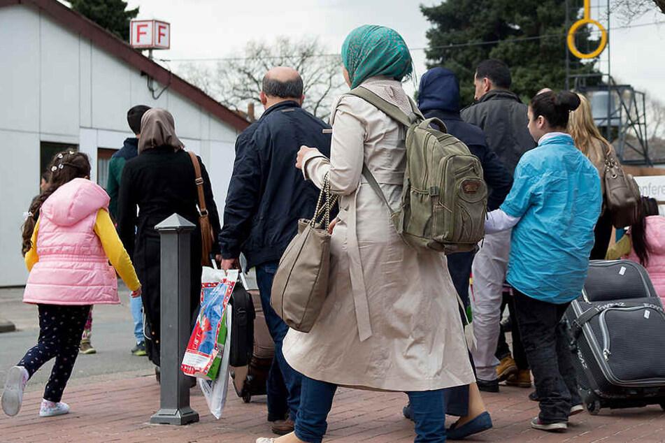 Familien von Flüchtlingen dürfen kommen: Deutschland stellt Visa aus