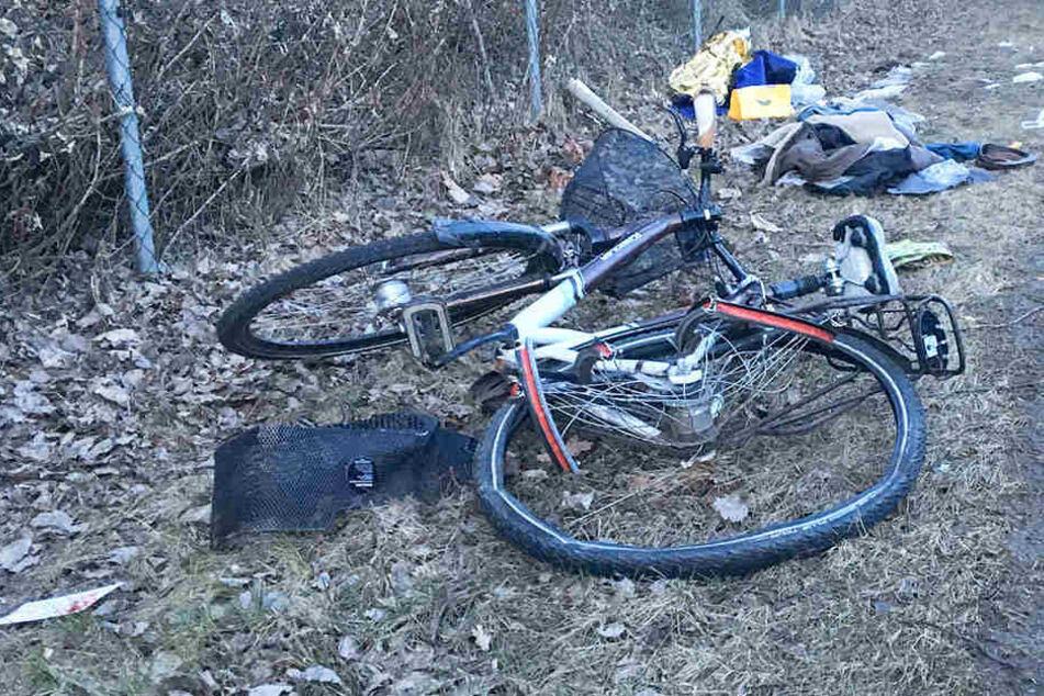 Der Radler erlag im Krankenhaus seinen schweren Verletzungen