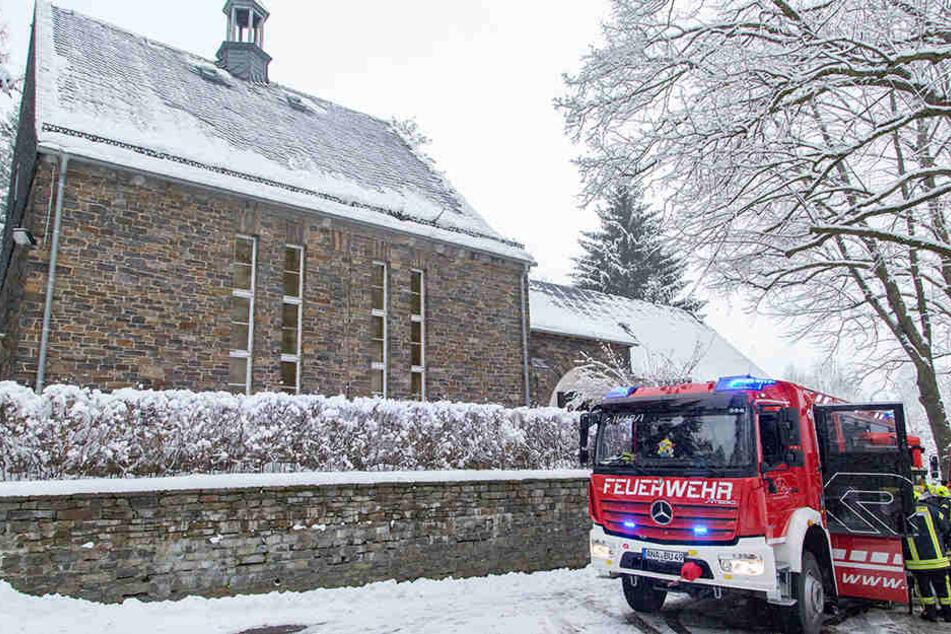 Am 21. Januar brannte es in der Friedhofskapelle in Buchholz. (Archivbild)