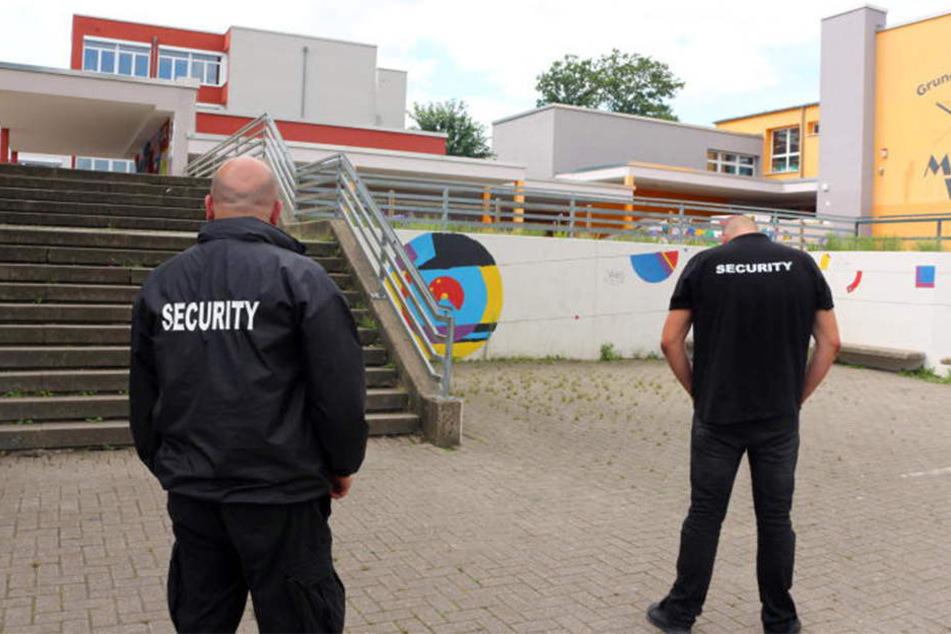 Selbst die Security scheint keine Wirkung zu zeigen.