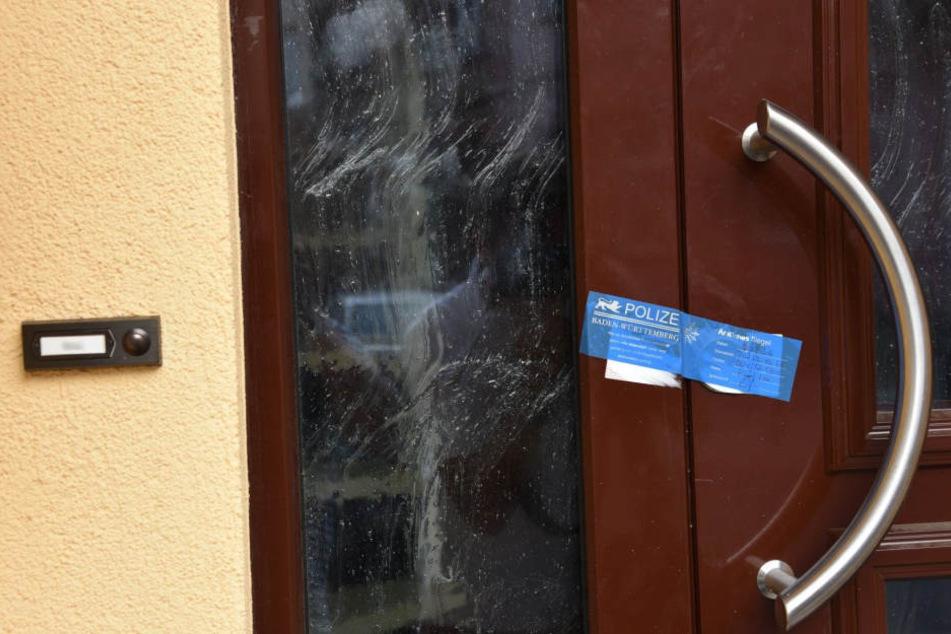 In diesem Wohnhaus kam in der Nacht zum Freitag ein Mädchen (10) ums Leben.