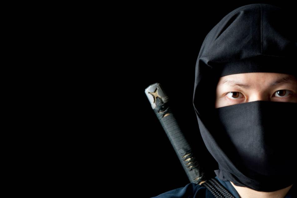 """Der """"Ninja"""" hatte Waffen und Drogen bei sich. (Symbolbild)"""