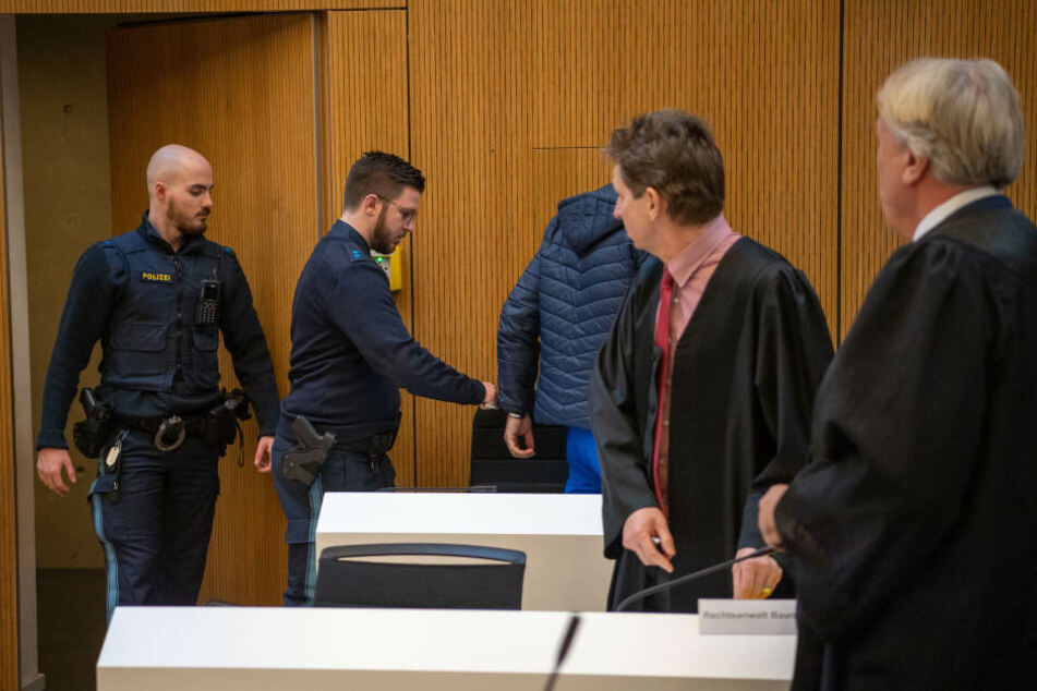 Die Angeklagten mussten sich vor Gericht für den Raubmord aus dem Jahr 2015 verantworten.