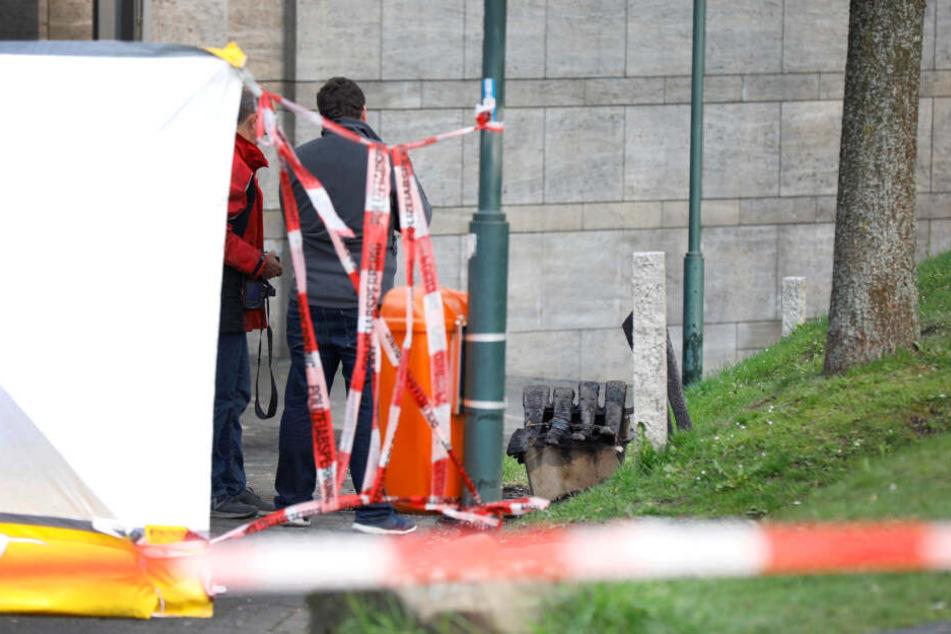 Die Leiche war nach dem Brand einer Parkbank in Remscheid gefunden worden.