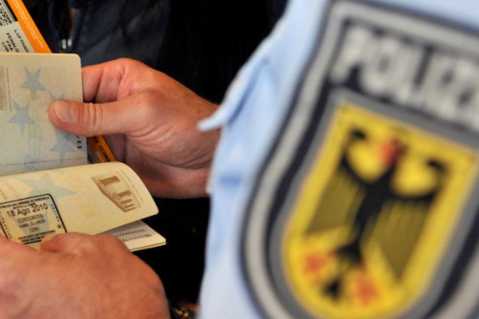 Bei der Passkontrolle flog der Vater (38) mit dem gewaltsam der Mutter entzogenen Kind auf. (Symbolbild)