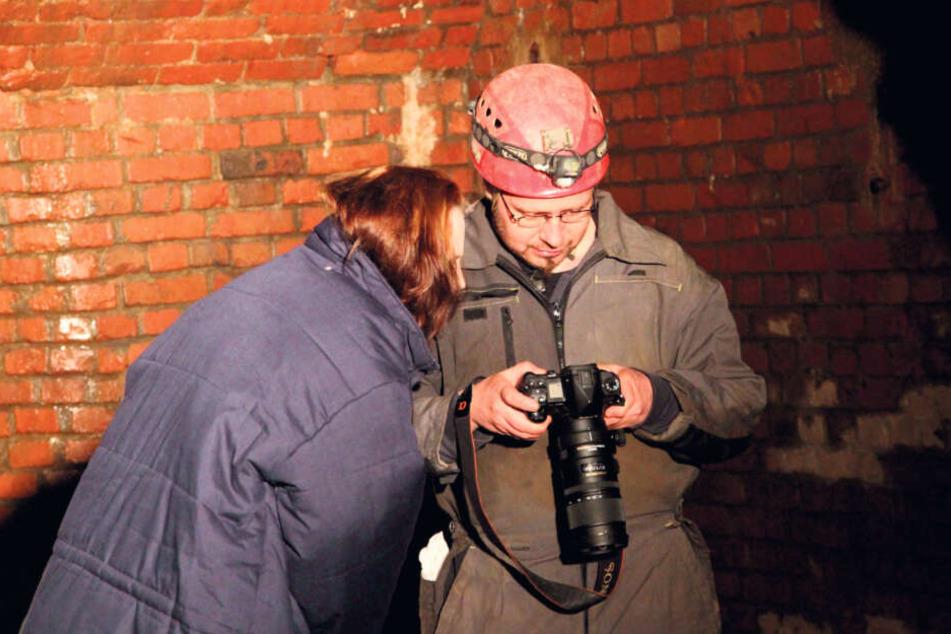 Fotograf Olaf Martin checkt die Bilder. Allzu viel Zeit hat er nicht für seine Shootings.