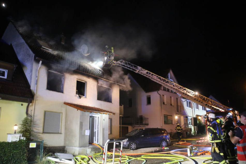 Ein Mann und seine zwei Töchter kamen bei dem Brand ums Leben.