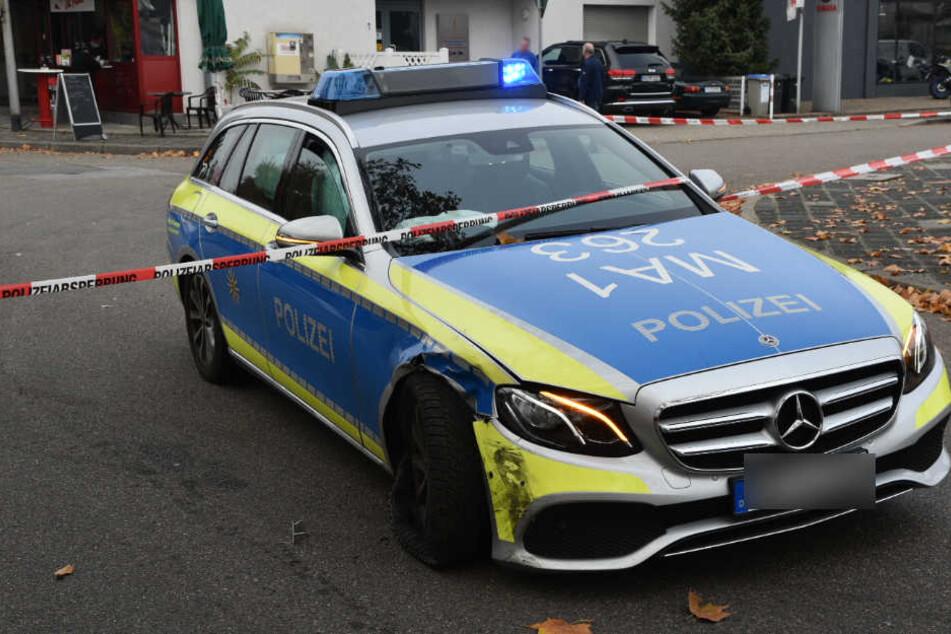 Erst ein Streifenwagen konnte ihn stoppen: Mazda-Fahrer rast vor Polizei davon