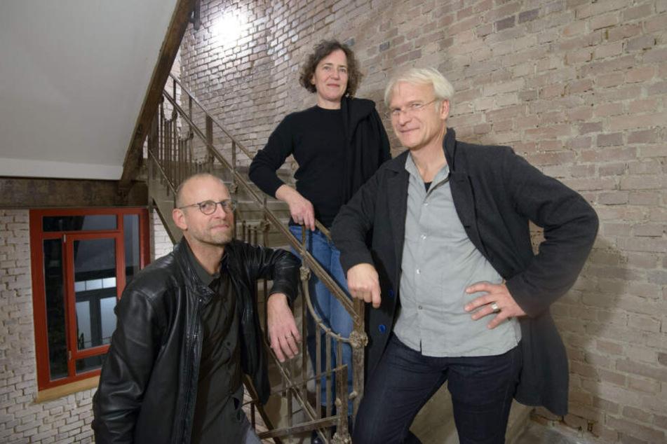 """Sehen sich als Teil der Sonnenberg-Zukunft: Die """"Casa Rossa""""-Sanierer Christian Bodensteiner, Annette Fest und Daniel Stroux (r., alle 53)."""