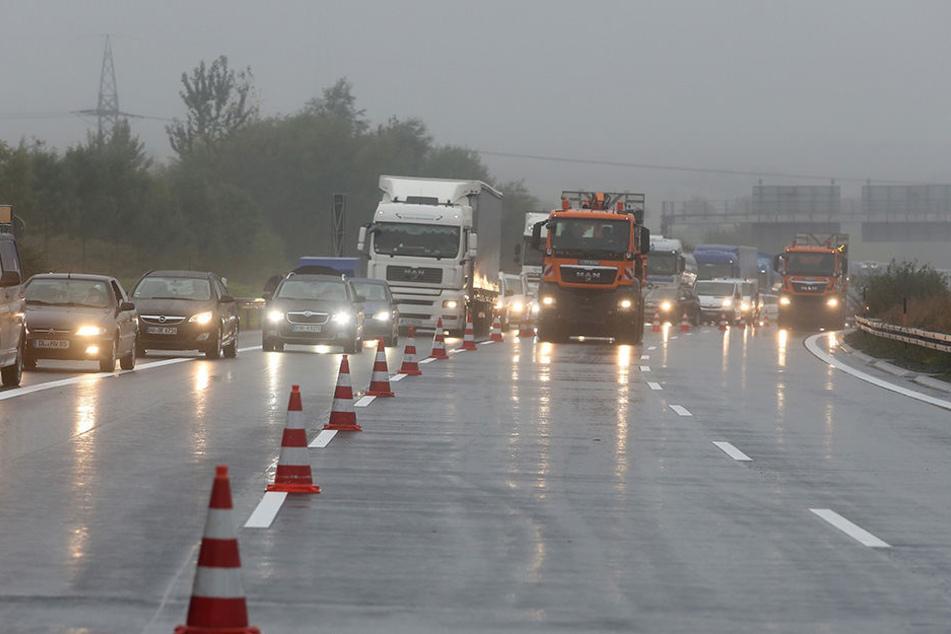 Bei schlimmsten Wetterverhältnissen kurierte ein 33-Jähriger seinen Rausch an der A4 aus.