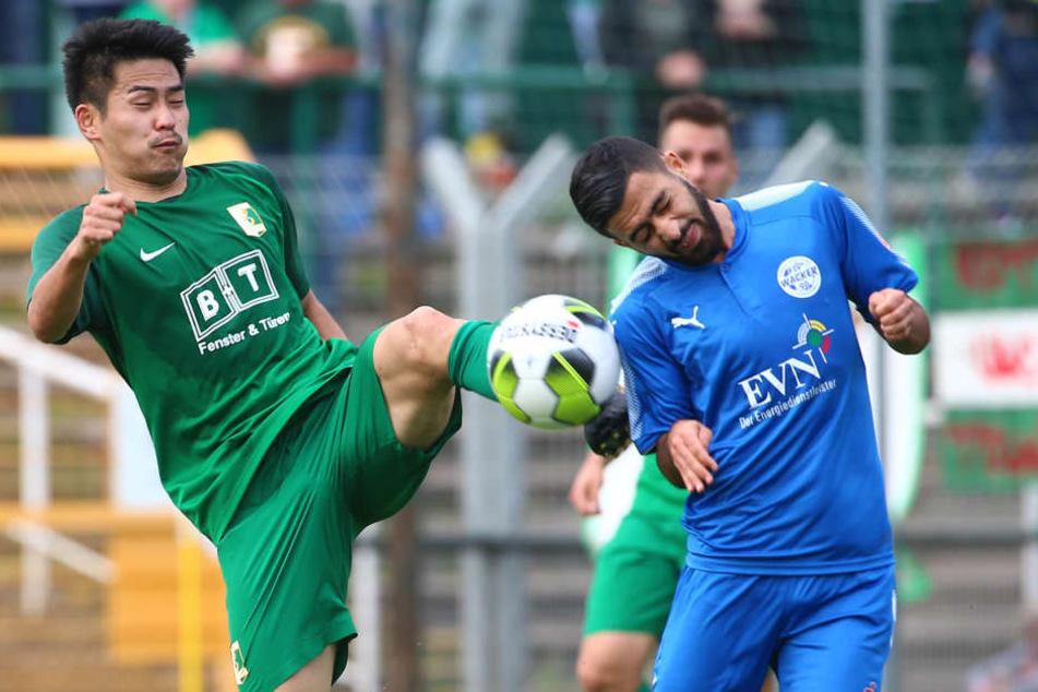 Chemie Leipzig holte in einem kampfbetonten Spiel einen wichtigen Punkt gegen Favorit Nordhausen (hier: Chemies Rintaro Yajima (li.) gegen Cihan Ucar).