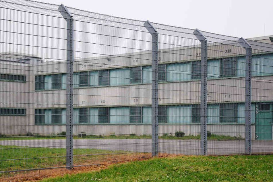 Bis Ende März soll das Abschiebegefängnis in Betrieb gehen. (Symbolbild)