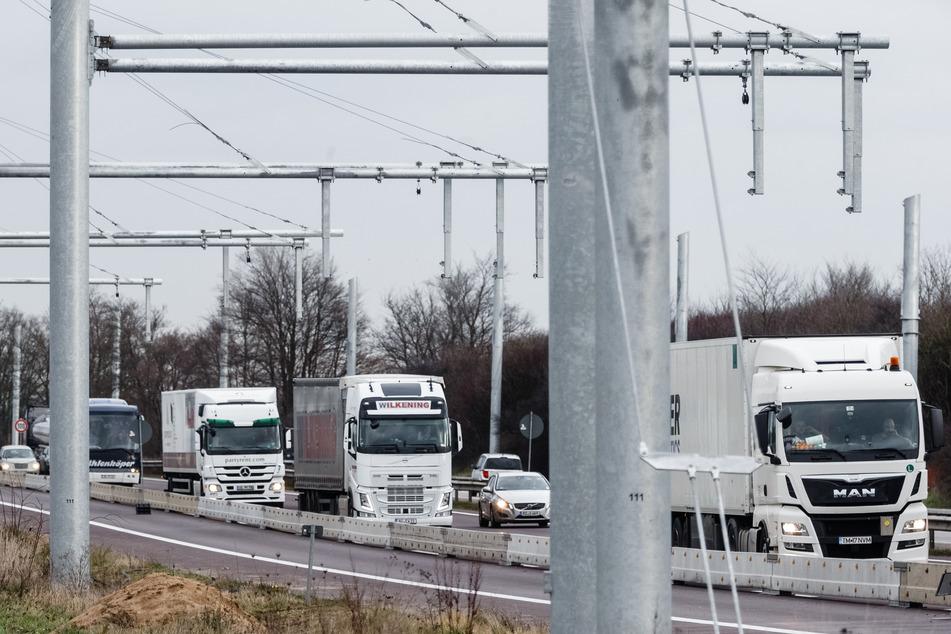 Elektro-Highway für Laster auf der A1: Werden jetzt alle Autobahnen umgebaut?