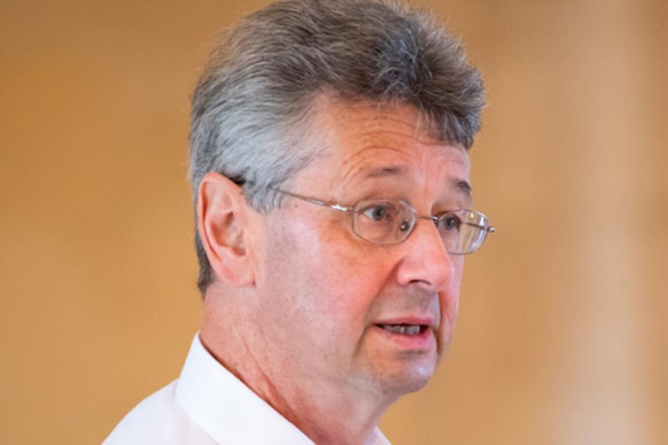 Michael Piazolo (Freie Wähler), Kultusminister von Bayern, ist mit der neuen Lösung zufrieden.