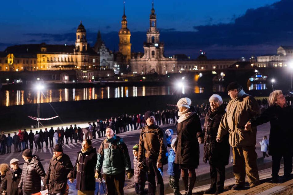 Dresden: Aufruf zur Menschenkette am 13. Februar: Ihr könnt Helfen!