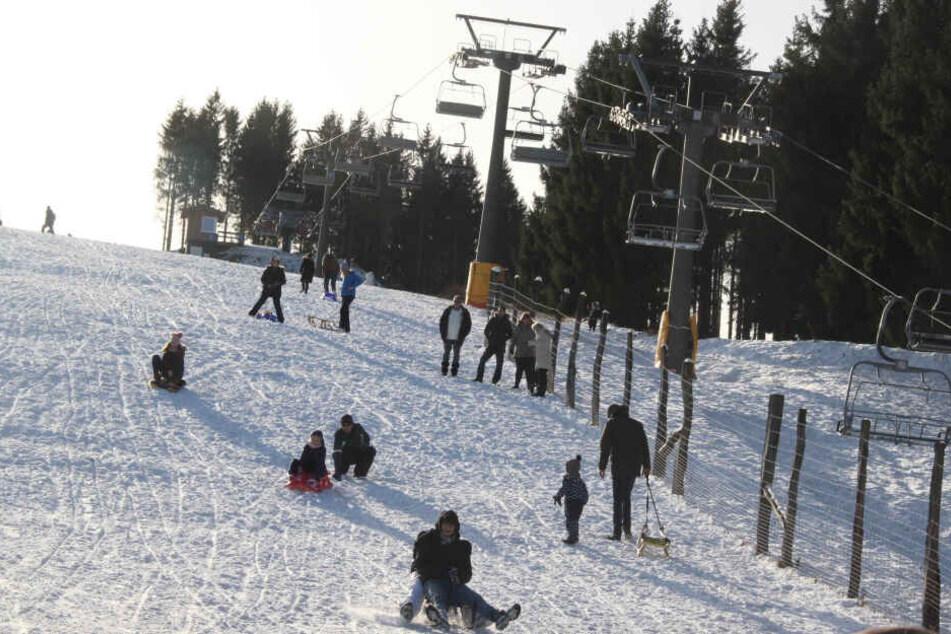 Wintersport in Winterberg: Der Schnee kommt aber aus der Maschine